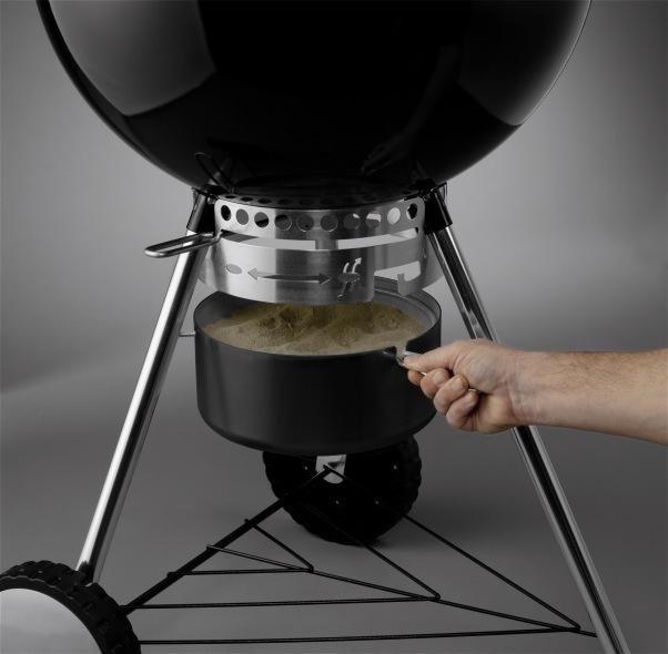 weber original kettle premium 57 cm black charcoal barbecue. Black Bedroom Furniture Sets. Home Design Ideas