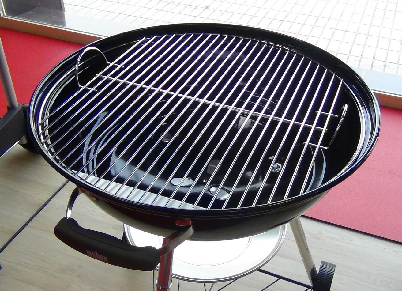 Weber Holzkohlegrill Compact Kettle 57 Cm : Compact kettle black barbecue the barbecue store