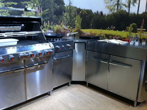 ... Weber Summit Grill Centre GBS ...