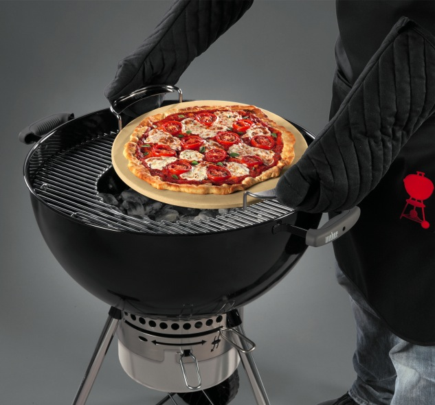 weber gourmet bbq system pizza stone weber the barbecue store. Black Bedroom Furniture Sets. Home Design Ideas