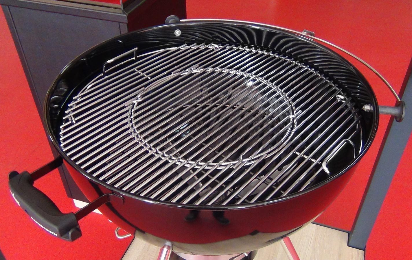 Weber master touch 57 cm black charcoal bbq the barbecue for Weber master touch