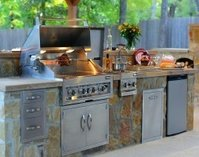 Outdoor Kitchens & BBQ Islands
