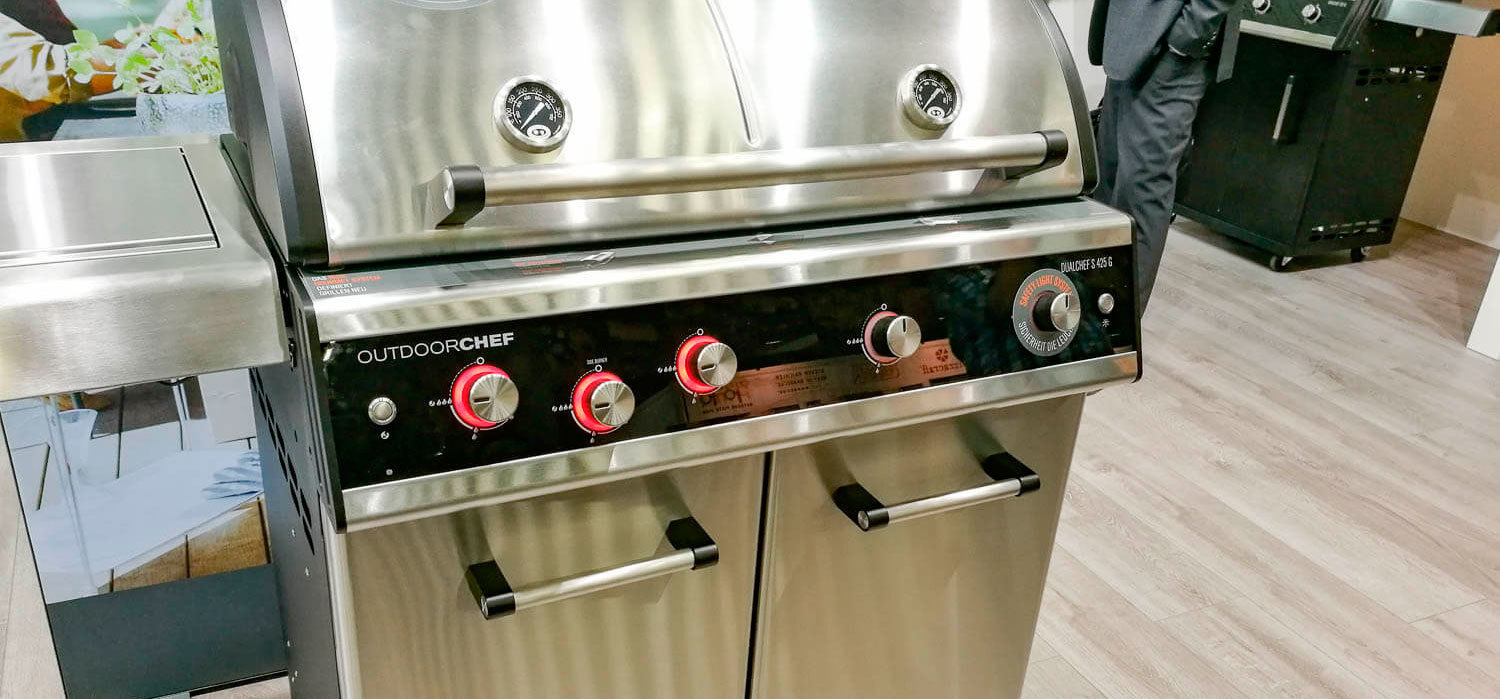 Dualchef s425 g gas bbq the barbecue store spain for Giordano shop barbecue a gas